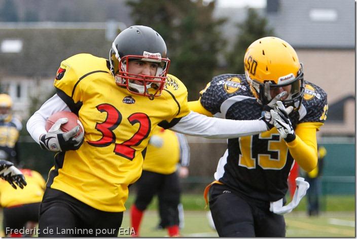 Match de la 1ère journée de championnat de Foot US LFFAB 2013 entre Andenne Bears (jaune) - Luxembourg Steelers of Dudelange.