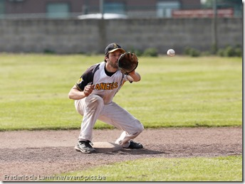 smc_20130608_0174_Baseball_1BB_Angels_Stars